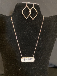 [Cross = Love Necklace with Silver Earrings]
