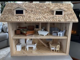 [Handcrafted Doll House]